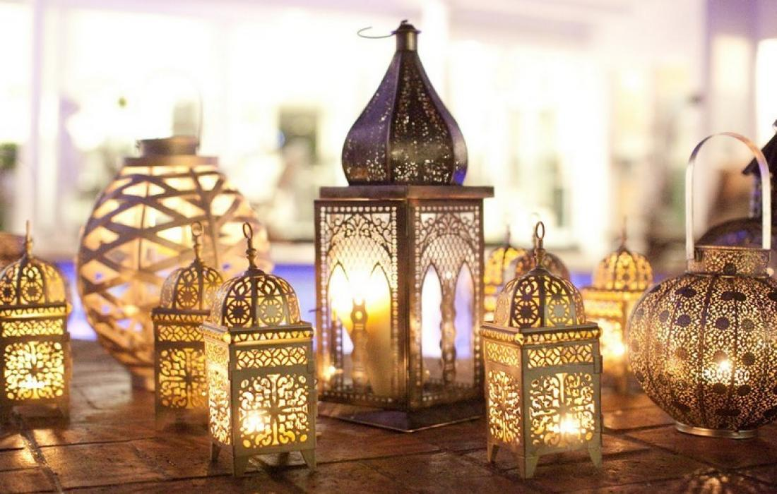 أحدث رسائل تهنئة رمضان 2021 للأصدقاء والاحباب والأهل
