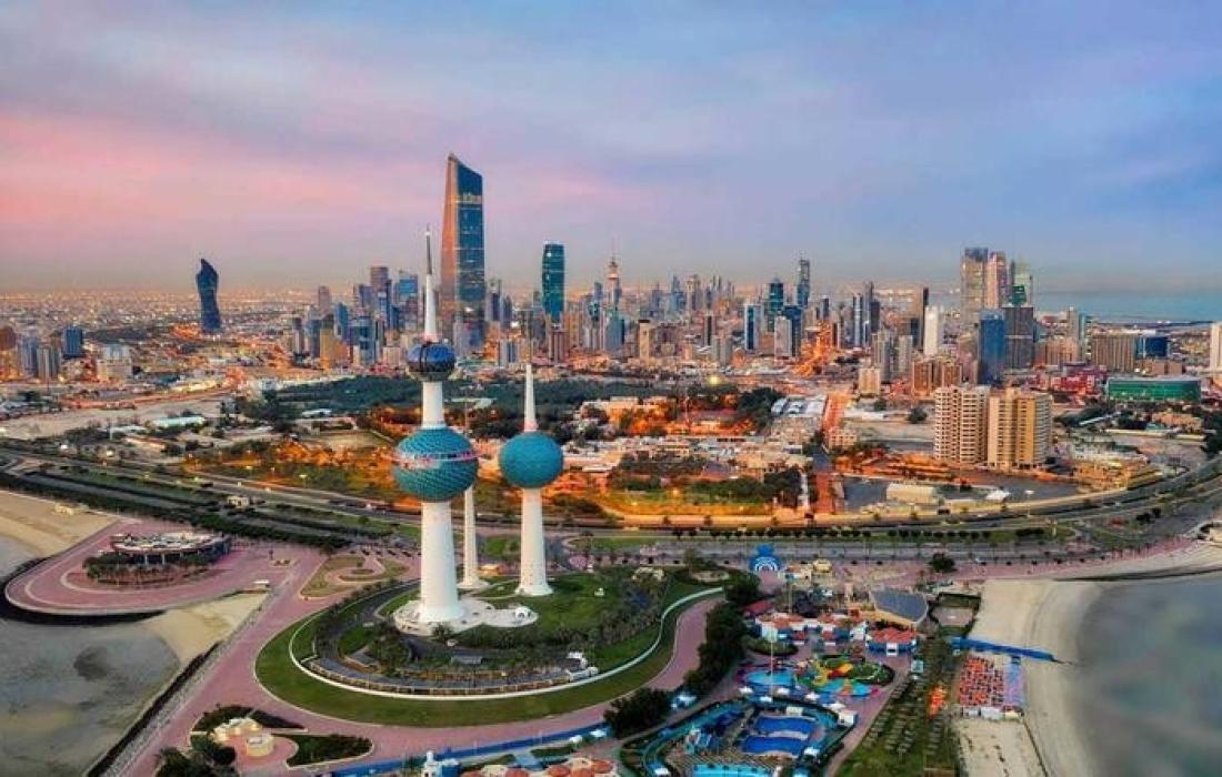 الكويت تمنع مواطنها غير المطعمين من السفر خارج البلاد