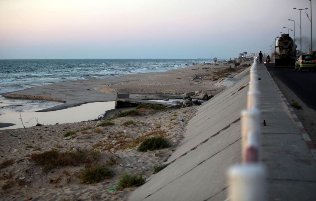 سلطة البيئة بغزة توضح مسألة تلوث شواطئ بحر غزة