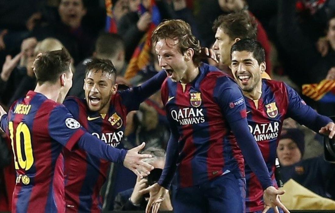 فرحة لاعبي برشلونة بهدف راكتيتش