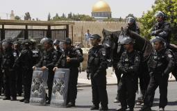 جولات استفزازية.. مستوطنون يقتحمون باحات الأقصى بحماية قوات الاحتلال