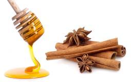 يعد مخلوط العسل والقرفة مشروباً سحرياً يساعدك على التخلص من أمراض عديدة -(تعبيرية)