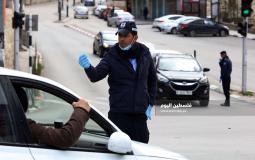 حواجز للامن الفلسطيني تفصل بين القرى والمخيمات وبين المدن في محافظة بيت لحم لمنع انتشار فيروس كورونا. (10)
