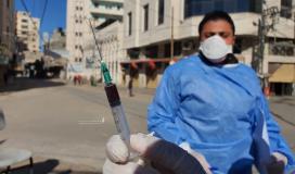 سحب عينات الدم لفحص الاجسام المناعية من فيروس كورونا في قطاع غزة (7).jpg
