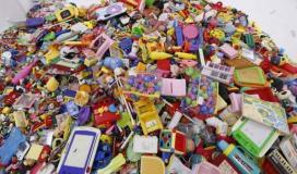 """""""تدوير البلاستيك"""".. مهنة عشرات الشبان بغزة في مواجهة صعوبات الحياة"""