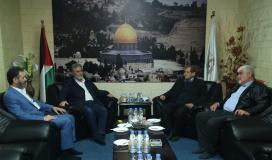 القائد النخالة خلال استقباله الأمين العام لجبهة التحرير.jpg