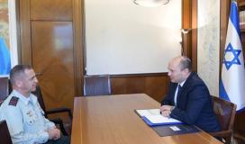 رئيس حكومة الاحتلال نفتالي بينت ورئيس هيئة الاركان في جيش الاحتلال افيف كوخافي.jpg