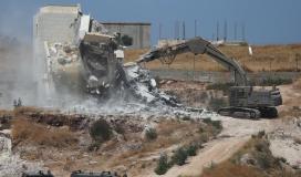 قوات الاحتلال يخطر بهدم عمارة سكنية في شعفاط خلال 14 يوماً