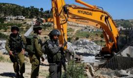 الاحتلال يخطر بهدم منشآت بواد رحال جنوب بيت لحم