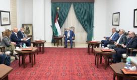 عباس وقادة اسرائيل.jpg