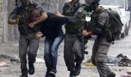 قوات الاحتلال تعتقل شاب في الضفة (ارشيف)