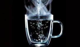 شرب الماء الدافئ