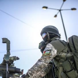 """بالصور:عرض عسكري لـ""""سرايا القدس احتفالاً بانتصار المقاومة في معركة """"سيف القدس"""" برفح جنوب قطاع غزة"""