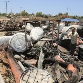 بالصور: آثار القصف الصهيوني خلال عدوانه الأخير  للمنطقة الصناعية شرق مدينة غزة