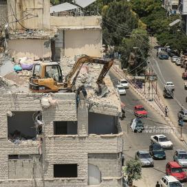 بالصور:استمرار ازالة ركام المنازل المدمرة في غزة جراء العدوان الأخير على القطاع