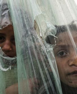 فقراء غزة في أجواء شديدة البرودة