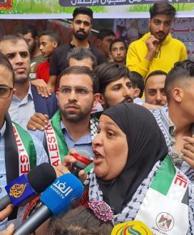 لحظة استقبال المحررة نسرين أبو كميل إلى منزلها في قطاع غزة