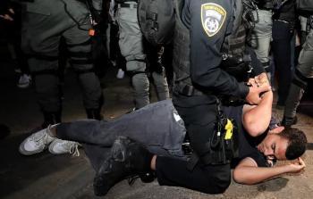 الاحتلال يواصل اعتقال السبان في القدس والاعتداء على المصلين بالأقصى