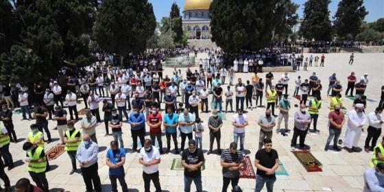 الصلاة في المسجد الأقصى.jpg