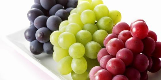 فاكهة العنب.