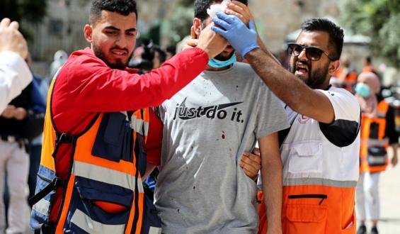 صور جديدة للإصابات داخل المسجد الاقصى المبارك